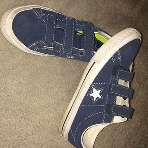 Velcro blue converse